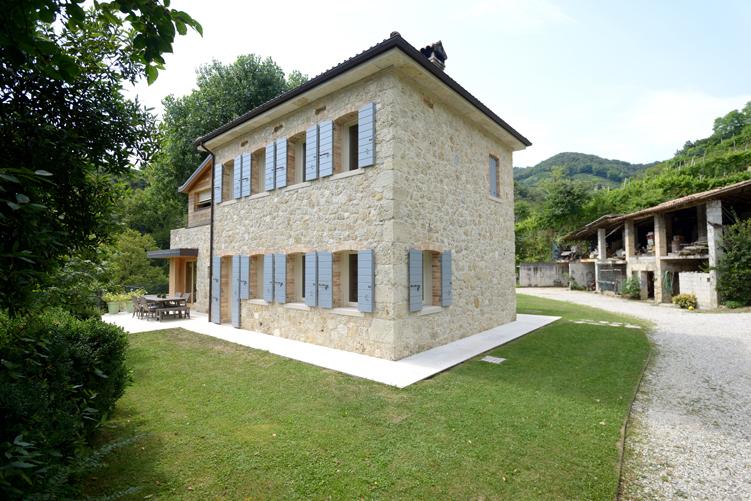 Falegnameria lot recupero ed ampliamento casa di campagna for Casetta con seminterrato
