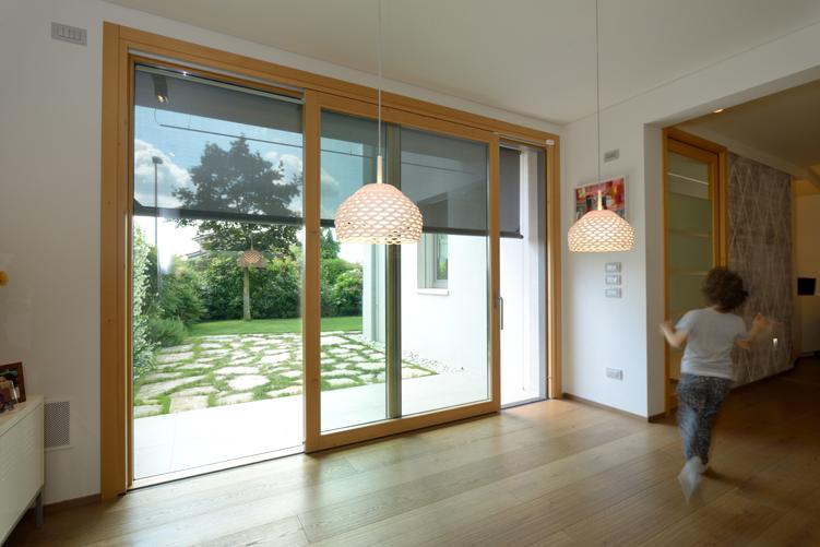 Falegnameria lot nuova abitazione in legno stile eco for Abitazione design